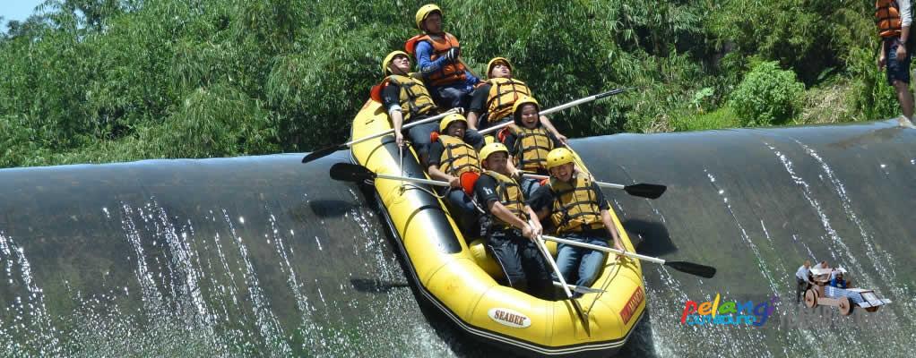 Paket Rafting